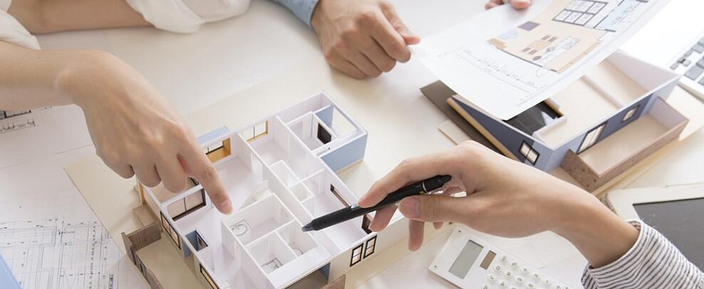 imagen maqueta de arquitectos-min