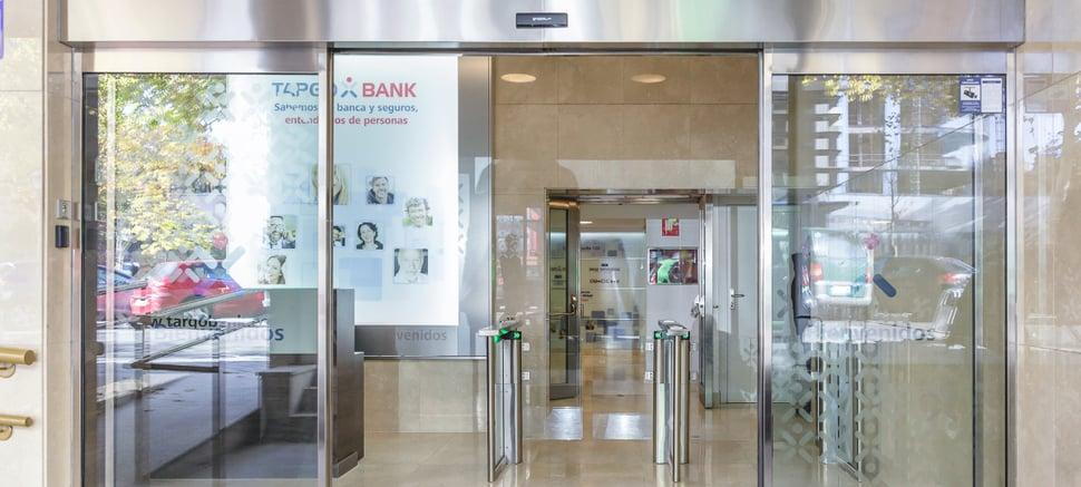 NÜO-Pass-lector-biometría-targobank-entrada